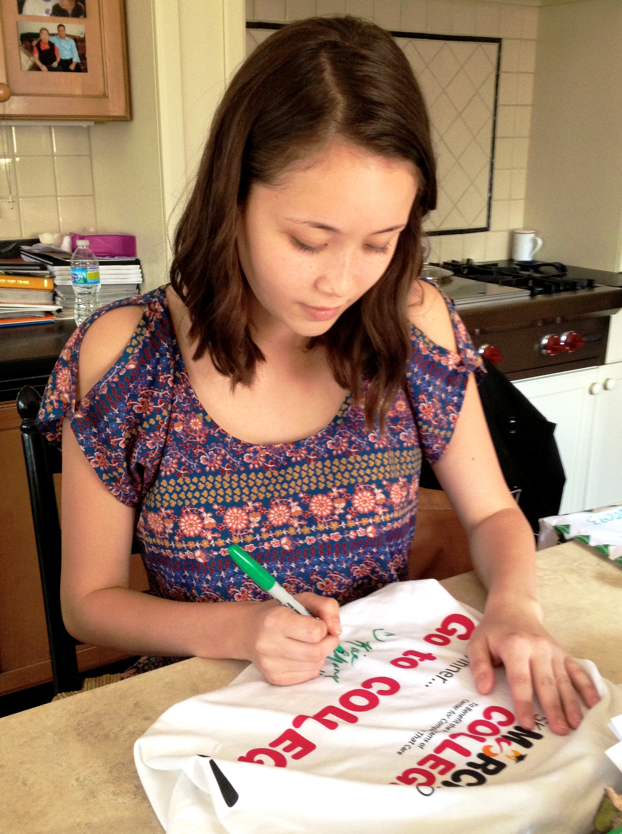 Katie_Chang_Signing